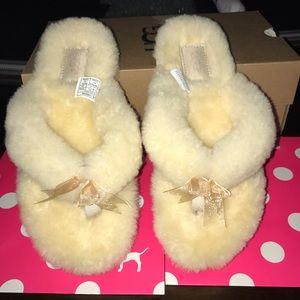 Ugg women's slipper flip flop size 6